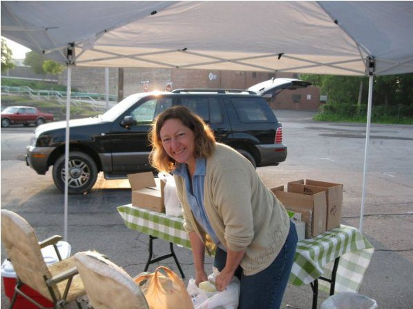 Amy-at-the-Farmers-Market.jpg